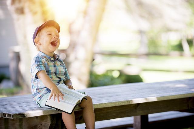 緊張が解き放たれた時に笑いが起こる