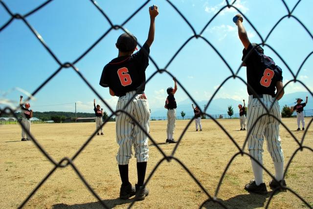 野球では過度のガッツポーズはマナー違反