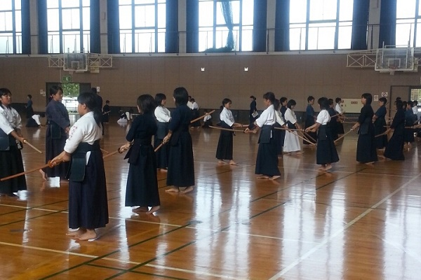 日本剣道形における先とは